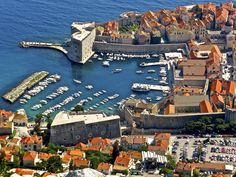 Dubrovnik is one of the most magnificent walled cities in the world. You can explore the traffic-free old town with a free trail on QuizTrail. Find it in the Trail Store on quiztrail.com