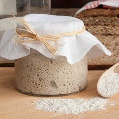No yeast? How to make a sourdough starter with tips on feeding and using it in recipes from sourdough bread to pancakes. Sourdough Recipes, Sourdough Bread, Sin Gluten, Copycat Recipes, New Recipes, Amazing Recipes, Bakers Treat, Kouign, Dumpling Dough