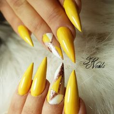 In Summer, the most white nail color Matte Nails Glitter, Black Nails, White Nails, Acrylic Nails, Cherry Red Color, Long Gel Nails, Wedding Manicure, Pointed Nails, White Nail Designs