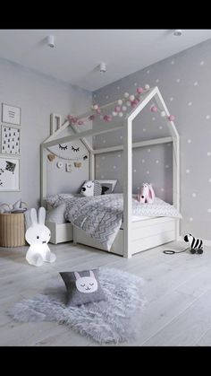 7 Beautiful Examples To Help You Design A Room For A Young Girl Girl Bedroom Designs Beautiful design Examples Girl room Young Cool Bedrooms For Boys, Modern Kids Bedroom, Young Girls Bedrooms, Kids Room For Girls, Toddler Girl Rooms, House Beds For Kids, Toddler Playroom, Kid Bedrooms, Trendy Bedroom