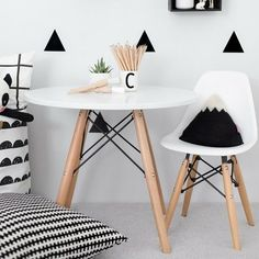 eames kids table and chair