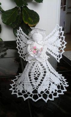 Diy Christmas Angel Ornaments, Crochet Christmas Ornaments, Christmas Crochet Patterns, Holiday Crochet, Crochet Snowflakes, Christmas Crafts, Crochet Thread Patterns, Crochet Angel Pattern, Vintage Crochet Patterns