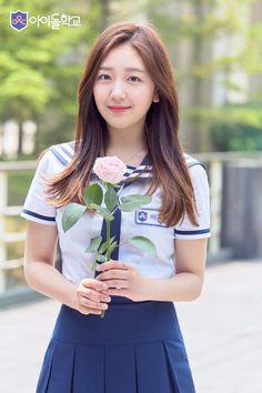 Cute School Uniforms, School Uniform Girls, Girls Uniforms, Japanese School, Japanese Girl, Sweet Girls, Cute Girls, Singer Fashion, Women's Fashion