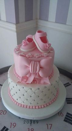 cake for baby shower nina, Today you will learn the best designs of Cakes And Cakes For Baby Shower: 90 Delicious And Original Ideas With Pictures . Torta Baby Shower, Baby Shower Kuchen, Tortas Baby Shower Niña, Girl Shower Cake, Baby Boy Shower, Baby Shower Cake For Girls, Baby Girl Cakes, Baby Birthday Cakes, Bolo Fack