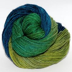 Ancient Arts Yarns - BFL 4 ply fingering - Pretty as a Peacock