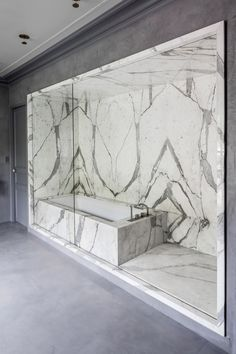 05AM Arquitectura updates 19th-century house near Paris with marble accents