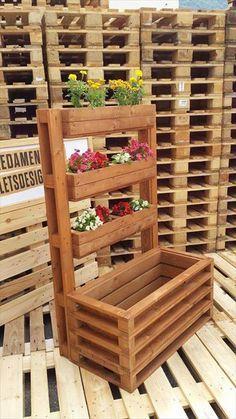 Multi-Tiered Accent #Pallet Flower #Planter - 25 Inspiring DIY Pallet Planter Ideas   101 Pallet Ideas - Part 4