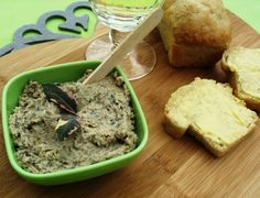 It is very convenient to have some paté in the fridge. It can be used as a light lunch, a starter and a nice edition to the lunch box. South African Dishes, South African Recipes, Ethnic Recipes, Pate Recipes, Cooking Recipes, Dot Foods, Savoury Biscuits, Biltong, Appetisers