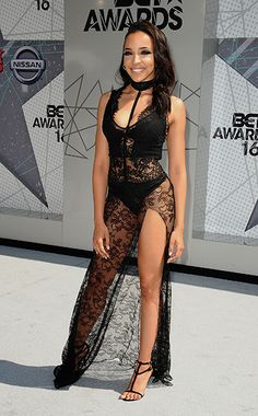 this is actually a really pretty dress on her. she makes it look sultry, than slutty. Bet Awards 2016, Tinashe, Female Singers, Celebs, Celebrities, Absolutely Gorgeous, Female Bodies, Pretty Dresses, Red Carpet