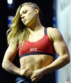 Ronda Rousey Shows Off Stunning Body Transformation Ahead of UFC Fight Against Amanda Nunes - Melanie Jo 🦋🎧🍷🦄 Ronda Rousey Body, Ronda Rousey Wwe, Ronda Jean Rousey, Ronda Rousey Fight, Female Wrestlers, Female Athletes, Muay Thai, Karate, Strong Women