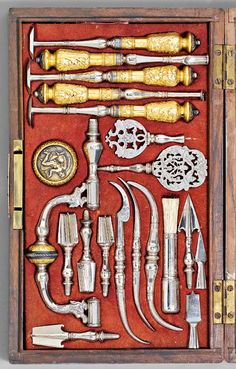 DesiChirurgical instruments, Trepanning Set, 19th century. France.  Luigi Nessi collection, Koller auctions, 2012.