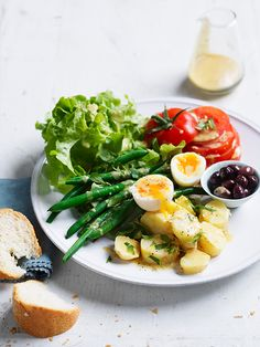 A simple and fresh classic Nicoise salad with a modern take that will make you wanting seconds.  www.hydroproduce.com.au