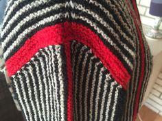 Cardigan strikket i Højlandsuld, mønster fra Hanne Falkenberg.