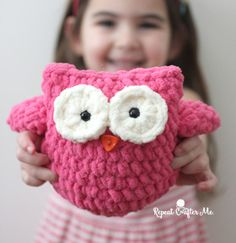 Got a little bit of Bernat Blanket yarn sitting around your house?! With just a small amount of this soft, fluffy, and bulky yarn, you can make a cute little crochet plush owl! I almost didn't post this because I'm not completely happy with how it turned out but Zoe loved the owl so much …
