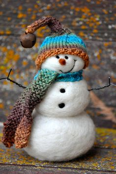 Snowmen - Wool Needle Felted Snowman - Holiday decor - 145... i think i will make a few of these this winter