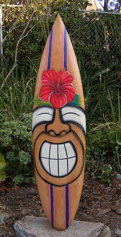 about Tribal Tiki Wood Mask Patio Tropical Bar Wall Art Hibiscus Flower Turtle Happy Tiki Hibiscus Flower tropical Wood Surfboard Wall Plaque Tiki Bar Tiki Hut, Décor Tiki, Tiki Totem, Patio Tropical, Tropical Decor, Hibiscus, Bars Tiki, Tiki Maske, Palm Frond Art