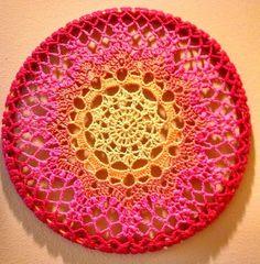 Tecendo Artes em Crochet: Toalhinha para Decorar usando Bastidor.