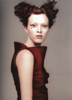 prêt à porter, karen elson by craign mcdean for vogue italia, march 1999    scan from belgian fashion design