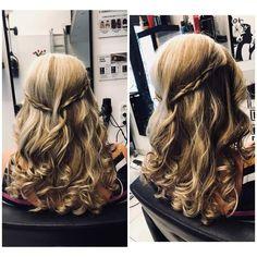 ..és ha csak valami egyszerű lenne? :D Nektek hogy tetszik? Dreadlocks, Long Hair Styles, Beauty, Long Hairstyle, Long Haircuts, Dreads, Long Hair Cuts, Beauty Illustration, Long Hairstyles