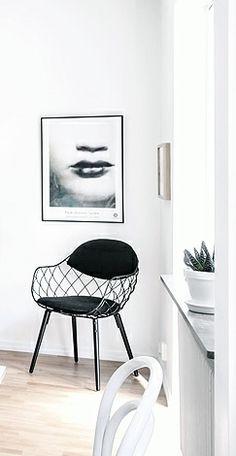 Via NordicDays.nl | Inspiring Home in Göteborg | Black and White