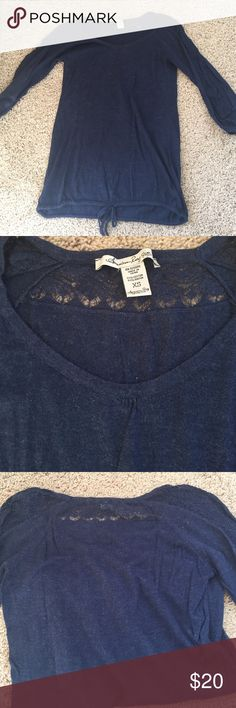 American Rag 3/4 sleeve sweater EUC cute navy sweater with knitted detail on back and sleeves. Perfect to layer with or wear as a separate for fall or spring. American Rag Tops