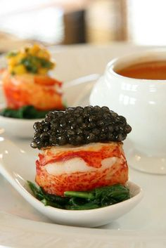 Scallops with caviar topping