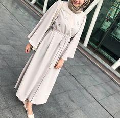 Gri Aker Kap/Pardesü 330 TL 2 Hijab Dress Party, Hijab Style Dress, Modest Fashion Hijab, Street Hijab Fashion, Abaya Fashion, Muslim Fashion, Fashion Outfits, Hijab Outfit, Abaya Style