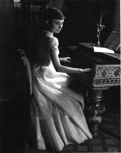 Audrey Hepburn as Natasha Rostovin 'War and Peace', 1956.