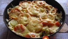 potato casserole for dinner Vegetable Casserole, Potato Casserole, Vegetable Dishes, Casserole Recipes, Tasty Dishes, Food Dishes, Main Dishes, Potato Dishes, Potato Recipes
