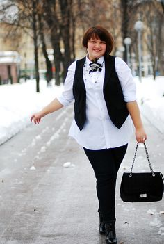 Hello everybody! Many kisses from cold Russia.  My name is Olga, I'm a plus-size blogger - find my blog on http://bigbeautifulola.livejournal.com/  My size is 26/28 UK  This outfit consists of:  shirt, jeggins and waistcoat - Kiabi,  shoes - Ecco;  handbag - Schatz;  Accessories: brooch - Lovisa, necklace - Kiabi, earrings + ring - Gassan  See you!  Olga