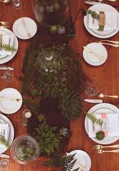 moss-centrepiece // succulents // tablescape // west coast // ferns