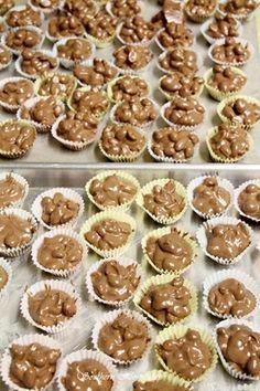 crockpot chocolate candy | Southern Hospitality Trisha yearwood's recipe Cannot wait to make this!!!