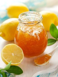 Marmelade de Citrons : Recette de Marmelade de Citrons - Marmiton                                                                                                                                                                                 Plus Jam Recipes, Gourmet Recipes, Sweet Recipes, Cooking Recipes, Lemon Marmalade, Homemade Liquor, Frozen Yoghurt, Lemon Cookies, Vegetable Drinks