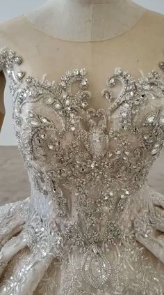 O-neck beading sequin crystal Quinceanera Dress Wedding Tiara Veil, Quinceanera Dresses, Prom Dresses, Bridal Gowns, Wedding Gowns, Beautiful Dresses, Nice Dresses, Unusual Wedding Dresses, Wedding Dress Bustle