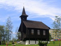 Dolny Smokovec Iglesias, Cabin, House Styles, Home Decor, Wood, Homemade Home Decor, Interior Design, Cottage, Home Interiors