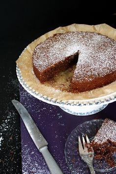 Italian Torta Caprese (Flourless Chocolate Cake)  » Recipe: www.lilvienna.com/torta-caprese-flourless-chocolate-cake/