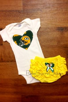 b06940030 Green Bay Packers Girls Outfit by BebeSucreOnline on Etsy, $30.00 Packers  Baby, Packers Football