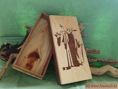 Holzschatulle mit StarWars Motiv von hawudi auf Etsy