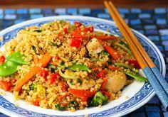 chicken and vegetable quinoa stir fry.mmmmm, I love me some quinoa! Quinoa Stir Fry, Fried Quinoa, Veggie Stir Fry, Asian Recipes, New Recipes, Dinner Recipes, Favorite Recipes, Healthy Recipes, Healthy Meals