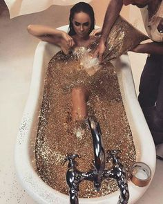 Shared by Jem. Find images and videos about luxury, gold and glitter on We Heart It - the app to get lost in what you love. Reproduction Photo, Ideas Para Photoshoot, Gold Aesthetic, Luxe Life, Glitz And Glam, Models, Luxury Lifestyle, Millionaire Lifestyle, Girly