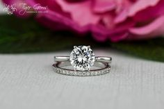 Could not be more in love with the simple, classic solitaire engagement ring