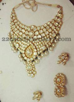 Jewellery Designs: Glorious Bridal Kundan Choker