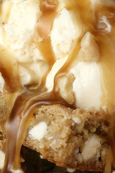 Blondies with maple butter sauce - just like at Applebee's mmmmm