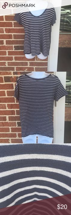 Vince striped t shirt size Medium Super soft casual Vince t shirt that's navy blue and gray striped Vince Tops Tees - Short Sleeve