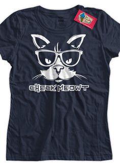 Meme Funny shirt Check Meowt T-shirt Check Me Out por IceCreamTees