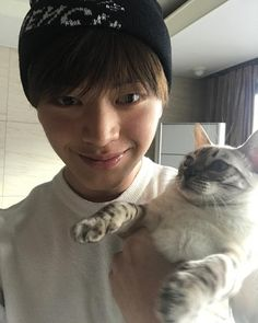 Yook Sungjae e Sami Yongin, Kpop Quiz, Play Quiz, Sungjae Btob, International Cat Day, Hallyu Star, Kpop Boy, Boyfriend Material, Korean Actors