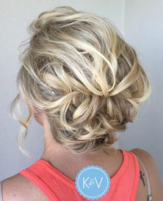 60 Creative Updo Ideas for Short Hair Lacy Loose Messy Curls Updo Short Hair Bun, Prom Hairstyles For Short Hair, Short Wedding Hair, Up Hairstyles, Wedding Hairstyles, Formal Hairstyles, Elegant Hairstyles, Curly Haircuts, Teenage Hairstyles