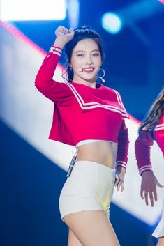 Latest Pictures Of Red Velvet Joy Show Just How Hard She's Been Working Out — Koreaboo Red Velvet Joy, Red Velvet Irene, Girl Abs, Girl Body, Seulgi, Upper Abs, Red Valvet, Red Pictures, Park Sooyoung