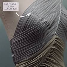 Draping and Moulage - The Cutting Class - Pattern Making Draping Techniques, Techniques Couture, Sewing Techniques, Sewing Hacks, Sewing Tutorials, Sewing Patterns, Textile Manipulation, Pattern Draping, Couture Details