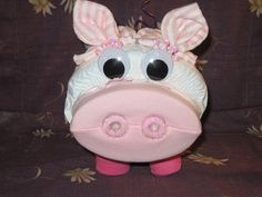 Easy Diaper Cake Instructions | Pig Cakes with Instructions http://www.diaperzoo.com/critter_detail ...